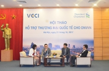 standard chartered va vcci chung tay ho tro dnvvn trong thuong mai quoc te