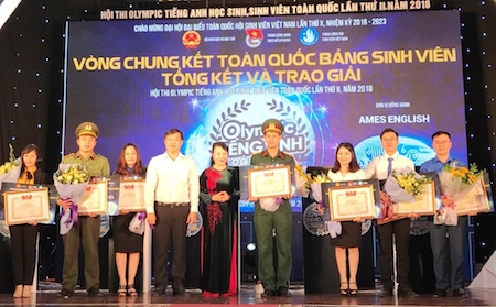 tren 400000 ban tre tham gia cuoc thi olympic tieng anh toan quoc 2018